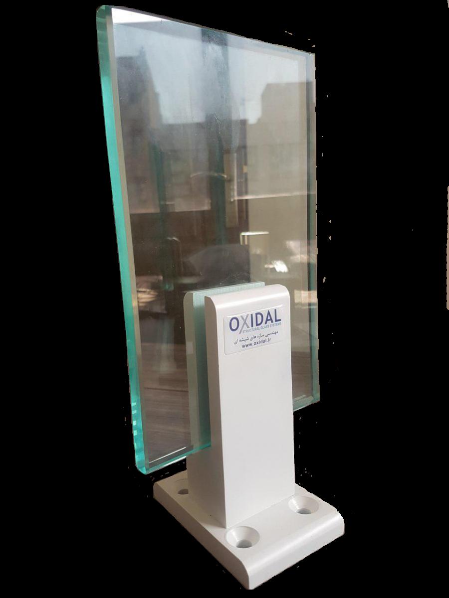 نصب نرده شیشه ای نمونه پایه