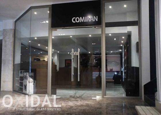 مجتمع تجاری دیپلمات | زعفرانیه تهران | اجرا و نصب ویترین شیشه ای